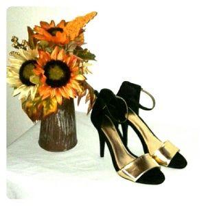 Cato Black Velvet  heels  Gold Metallic shoes 9